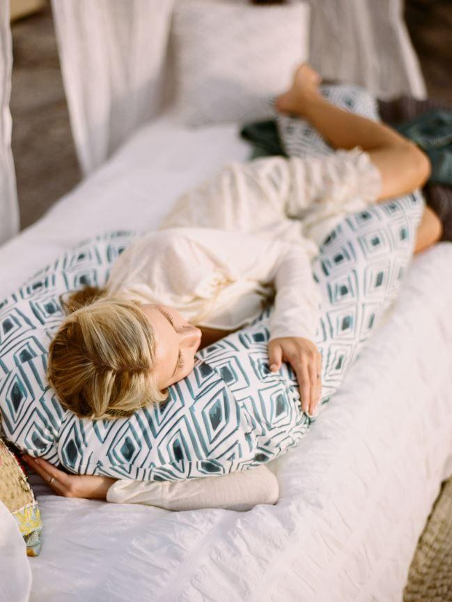 Как выбрать наполнитель для подушки для беременных